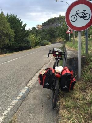 """Strade vietate alle bici in Basilicata. FIAB: """"Chiudono migliaia di km al cicloturismo"""""""