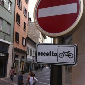 «Doppio senso ciclabile facilita spostamenti in bici». Le proposte che Fiab sostiene nella Riforma del Codice della Strada