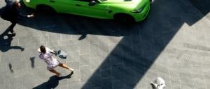 L'auto non ha un potere assoluto nelle città. Fermate lo spot Alfa Romeo