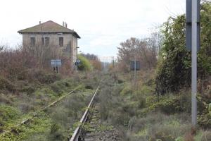 Ferrovie loda le greenways, ma smembra e vende le linee dismesse ai privati