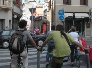 Doccia fredda per la Mobilità Ciclistica. Rimandata l'approvazione della legge quadro.