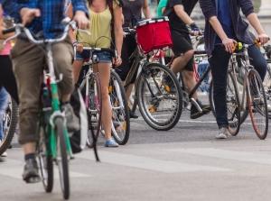 Riforma codice della strada: le 4 (buone) misure per i ciclisti. E l'impegno sul doppio senso ciclabile