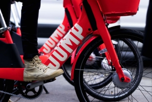 "Uber ""salta"" in sella: a Berlino il primo test del bike sharing a flusso libero"